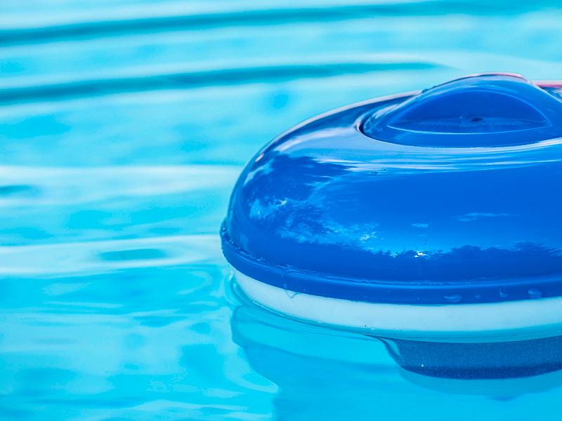 cloro para piscina en Jaén